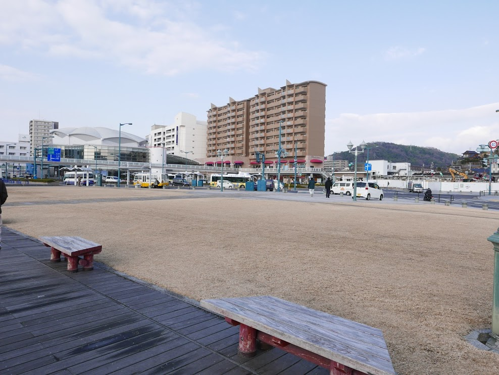 駅前港湾緑地