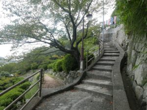 どこかの階段